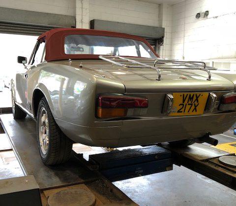 Fiat 124 Sport Spider 21