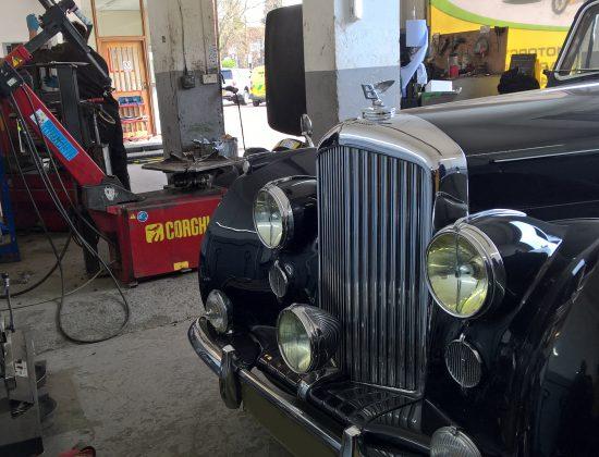 Bentley V 30